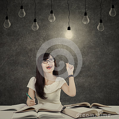 Free Female Student Getting Bright Inspiration 3 Royalty Free Stock Images - 43344479