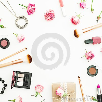 Free Feminine Desk With Gift Box, Pink Roses, Cosmetics, Diary On White Background. Top View. Flat Lay. Valentines Day Frame Compositio Royalty Free Stock Images - 107508309