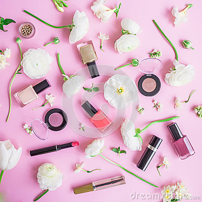 Free Feminine Desk With Woman Cosmetics And White Flowers On Pink Background. Flat Lay, Top View. Beauty Concept For Blog Stock Image - 92364751