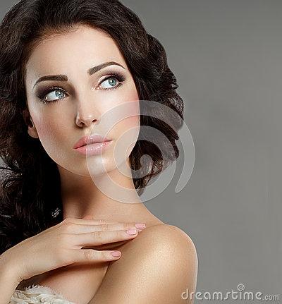 Free Femininity. Groomed Woman S Face With Natural Makeup. Pure Beauty Stock Photos - 42942293