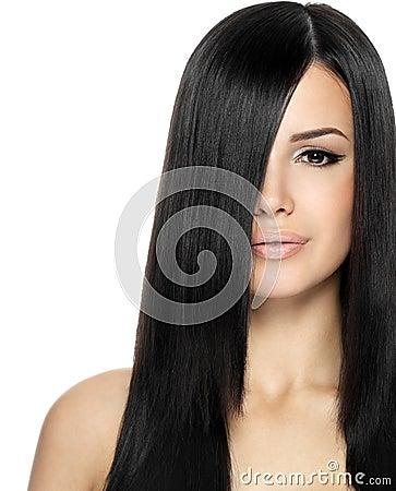 Femme avec le long cheveu droit