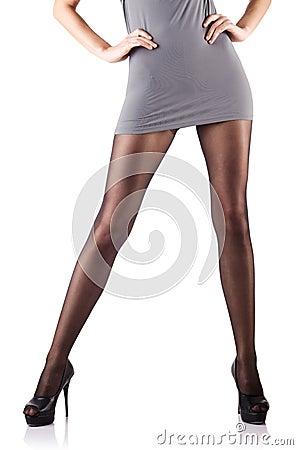 Femme avec les pattes grandes