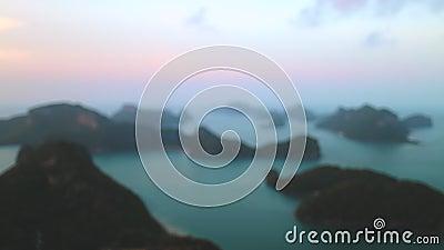 Femme contemplant le parc marin national de ang thong clips vidéos