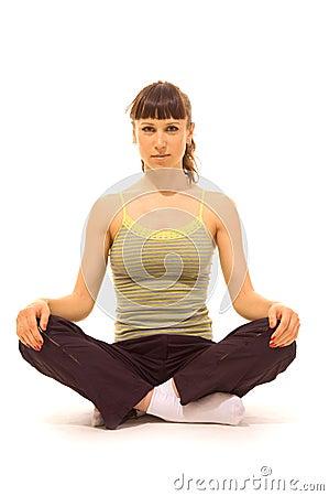 Femme détendant après entraînement