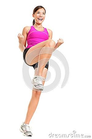 Femme de forme physique d aérobic