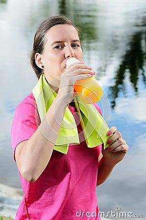 Femme de Rehydratation