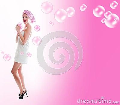Femme en essuie-main