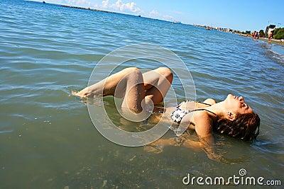Femme en mer