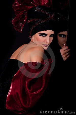 Femme fatale. Split personality
