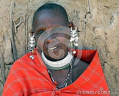 Femme m re de masai en robe et bijoux traditionnels photographie ditorial image 39655832 - Femme mure en chaleur ...