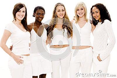 Femmes dans le blanc