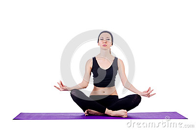Femmina giovane che fa gli esercizi