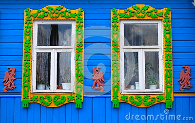 fenster eines alten russischen hauses verziert mit dem. Black Bedroom Furniture Sets. Home Design Ideas