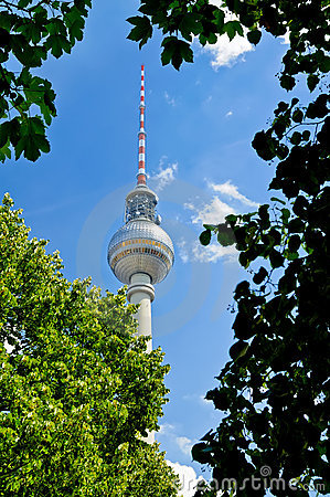 Fernsehturm (tv-tower) in Berlin