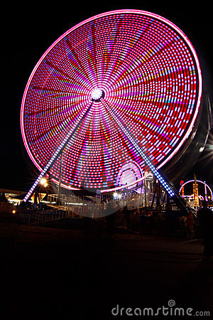 Free Ferris Wheel And Carnival Fair At Night Royalty Free Stock Images - 21169839