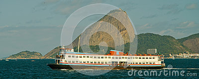Ferry boat and Sugarloaf Mountain