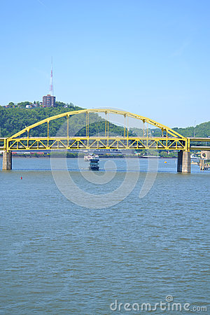 Free Ferry Boat On The Ohio River In Pittsburgh, PA Stock Photography - 25748172
