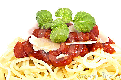 Fesh spaghetti with tomato sauce and parmesan