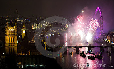 Feux d artifice au-dessus d oeil et de Westminster de Londres Photo stock éditorial