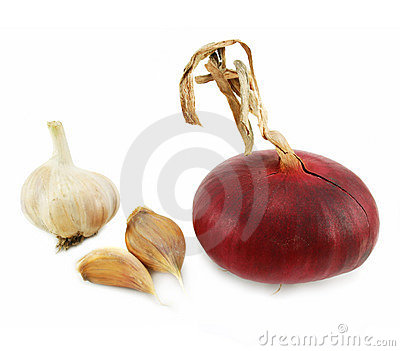 Few cloves of garlic and red onion