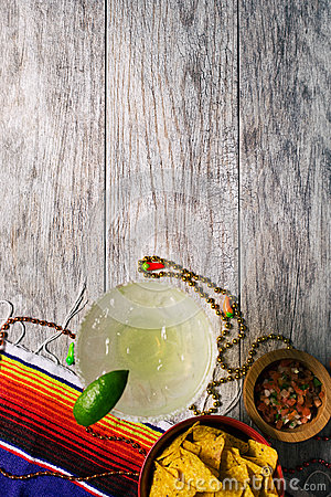 Free Fiesta: Margarita With Chips And Salsa On Wood Background Royalty Free Stock Photo - 89520185