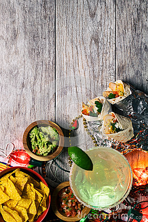 Free Fiesta: Mexican Food And Drink To Celebrate Cinco De Mayo Stock Photos - 89520333