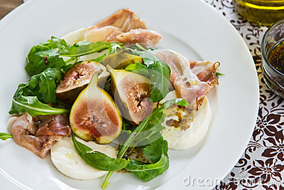 Fig,Prosciutto and Mozzarella salad