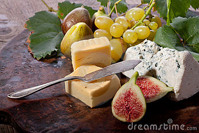Figs, grapes and cheese