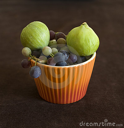 Figs and grapfruits