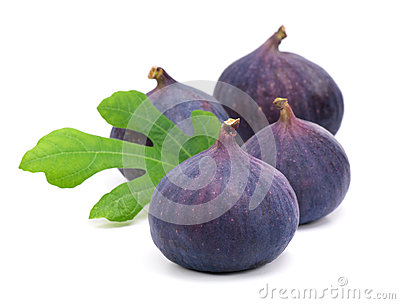 Figs with green leaves