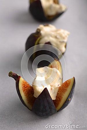 Free Figs Roasted With Mascarpone Cheese Honey And Hazelnuts Stock Image - 1926541