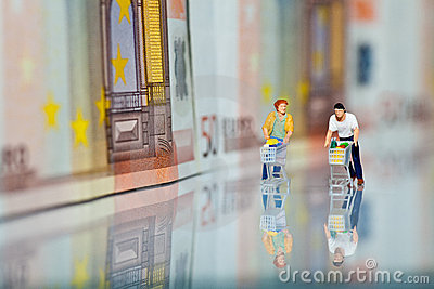 Figures with Shopping Cart and bank notes