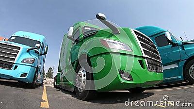Fila dei Semi-camion alla gestione commerciale archivi video
