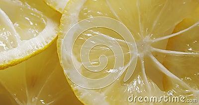 Filettature di limone in rotazione stock footage