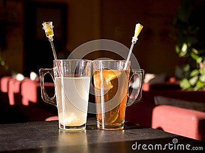 2 filiżanki herbata
