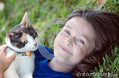 Fille avec le chat