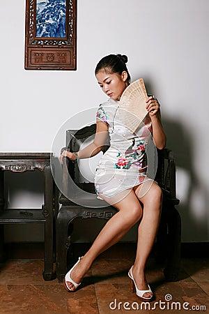 fille chinoise dans la robe de tradition photos stock image 6382723