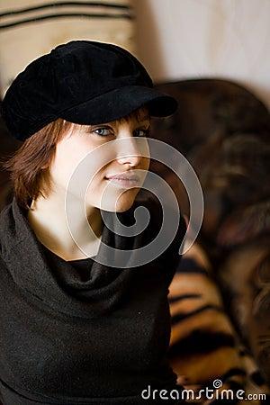 Fille dans le chapeau