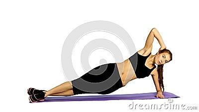 Fille de forme physique faisant des exercices de force Gymnase, blanc banque de vidéos