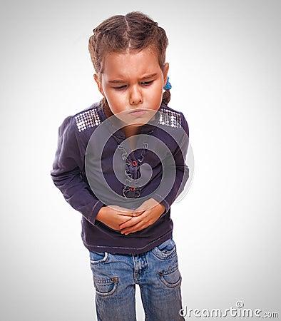 Fille blessée à l'estomac