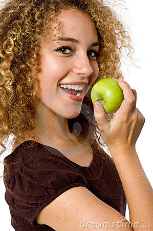 Fille mangeant Apple