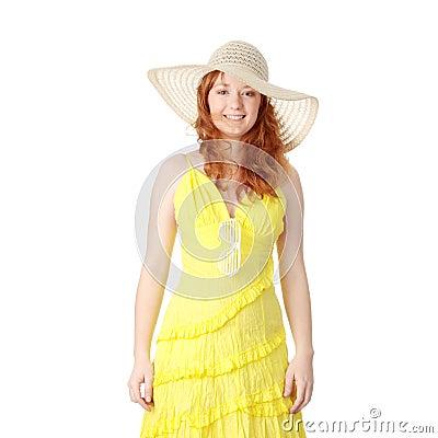 La fille dans la robe jaune