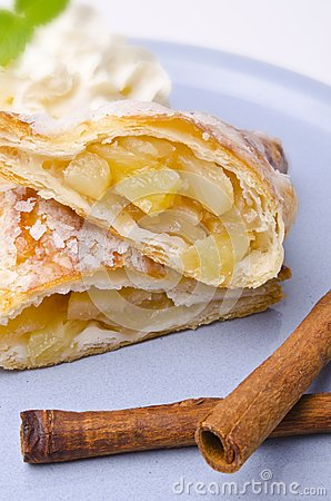 Filled puff pastry
