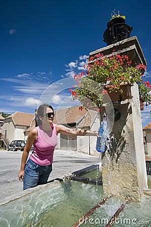 Filling bottle in fountain