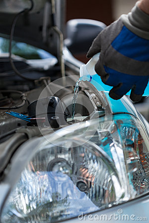 Filling windshield washer fluid