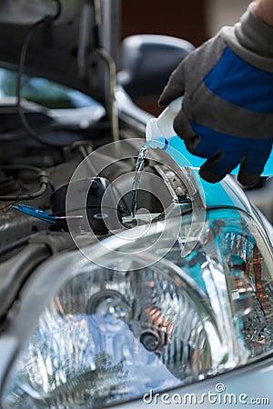 Filling windshield washer fluid
