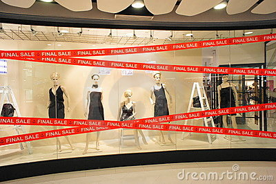 Final Sale Boutiques Windows Mannequins Editorial Stock Image