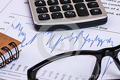 Financial Report And Graph Analysis For Budget Management – Financial Analysis Report Writing