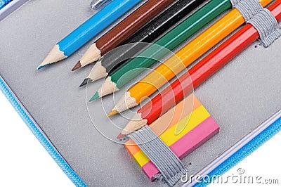 Fine della cassa di matita del banco in su