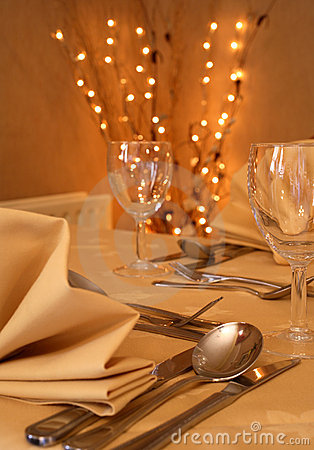 Free Fine Dining Dinner Setting Stock Images - 2287124